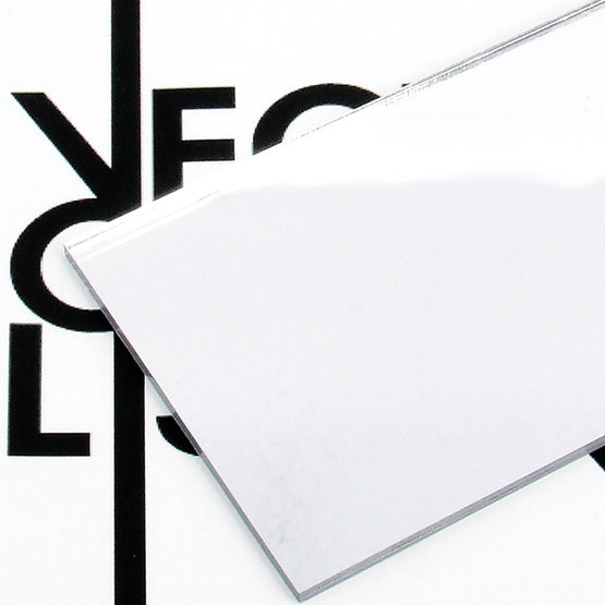 Surface - plexiglas argenté pour découpe au laser