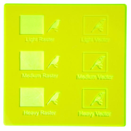 Exemple de gravure - Surbrillance fluorescente en plexiglas jaune pour la découpe au laser