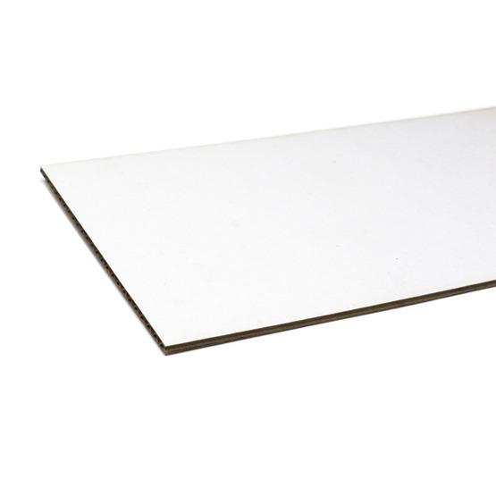 Bords coupés - carton blanc à micro-ondes pour la découpe au laser