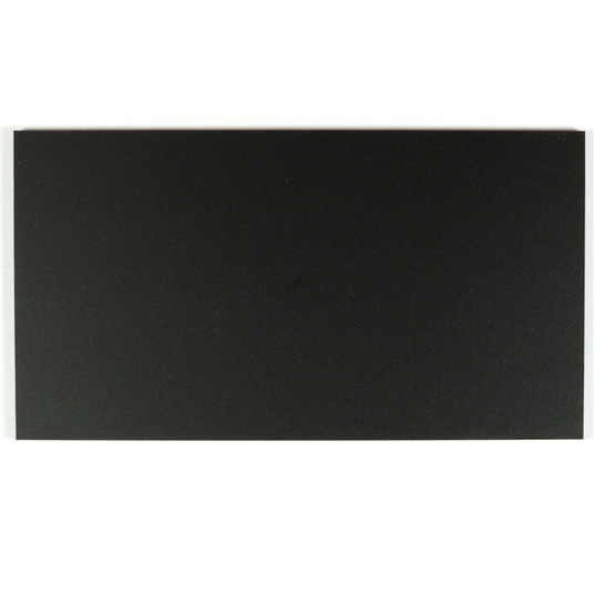 Échantillon - plexiglas noir satiné pour découpe au laser