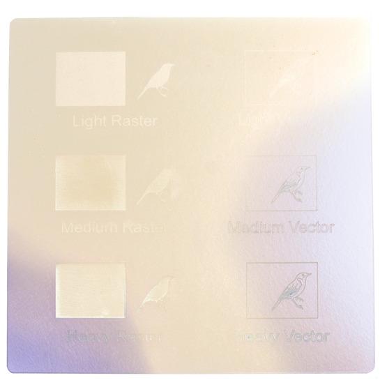 Exemple de gravure - Plexiglas bleu perlé pour la découpe au laser