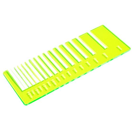 Test de précision - Surbrillance fluorescente en plexiglas jaune pour la découpe au laser