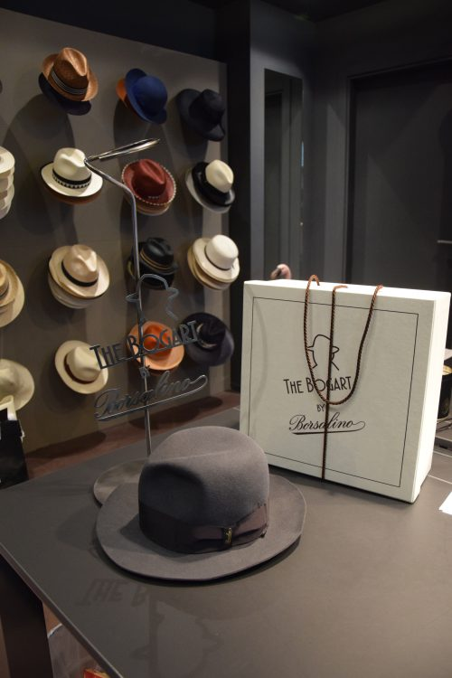 Borsalino exhibitor for hats