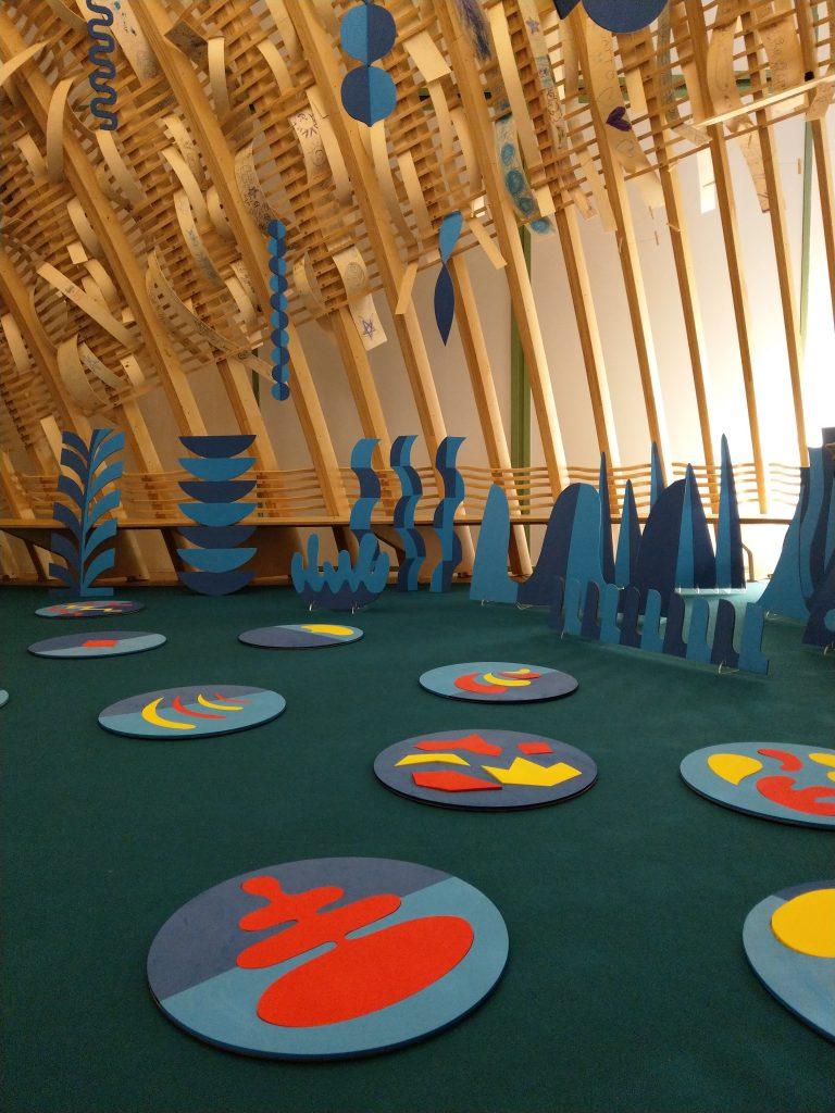 TATCH | installation interactive en découpe laser EVA pour Triennale