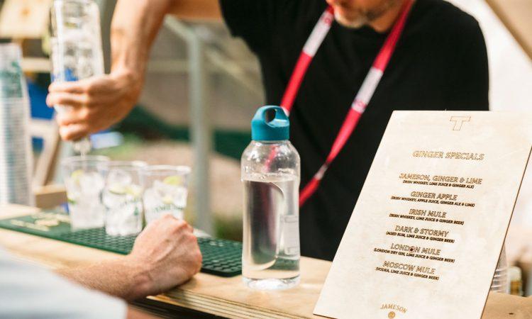 Terraforma | liste de boissons en bois gravée au laser