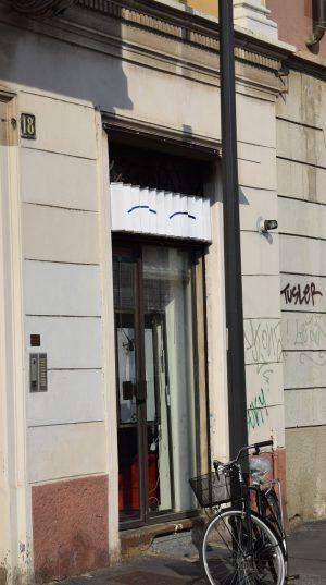 Insigne Ministudio - yeux fermés